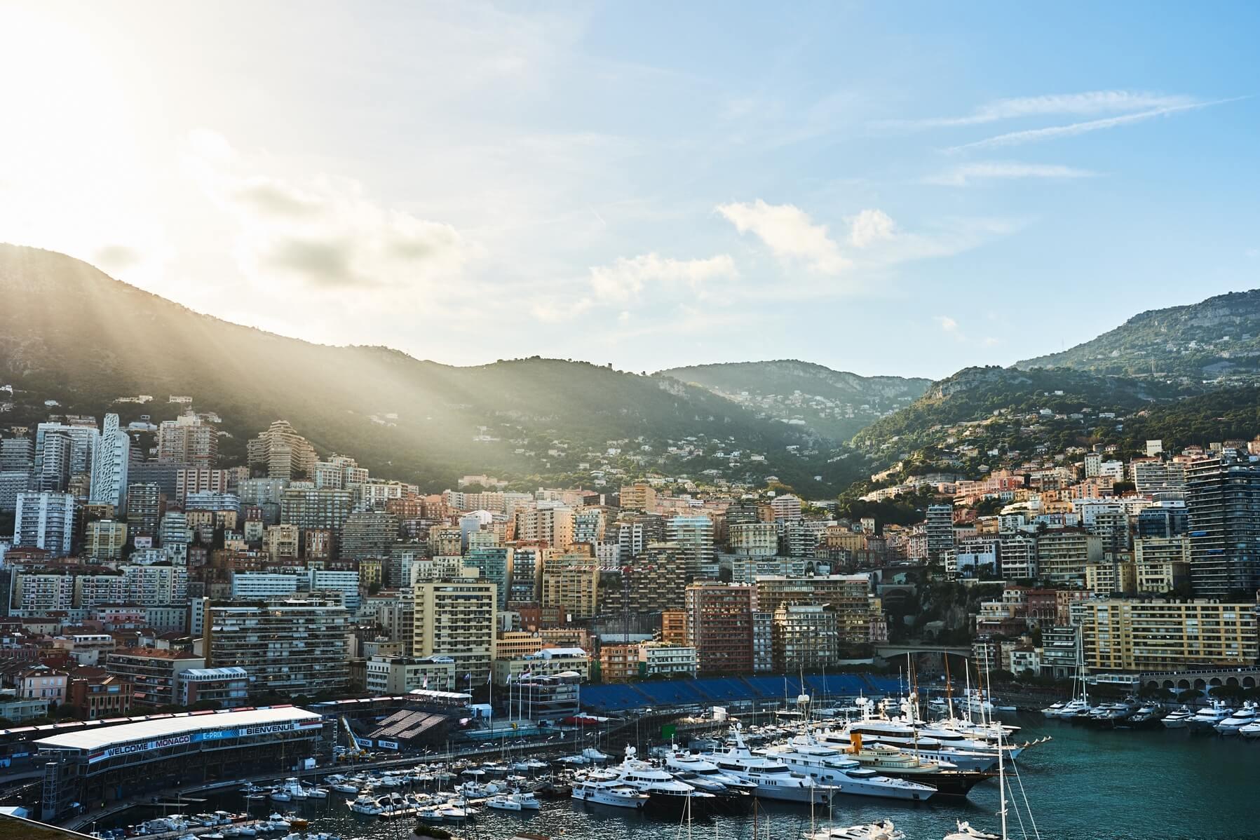 Yachts Monaco Mountains