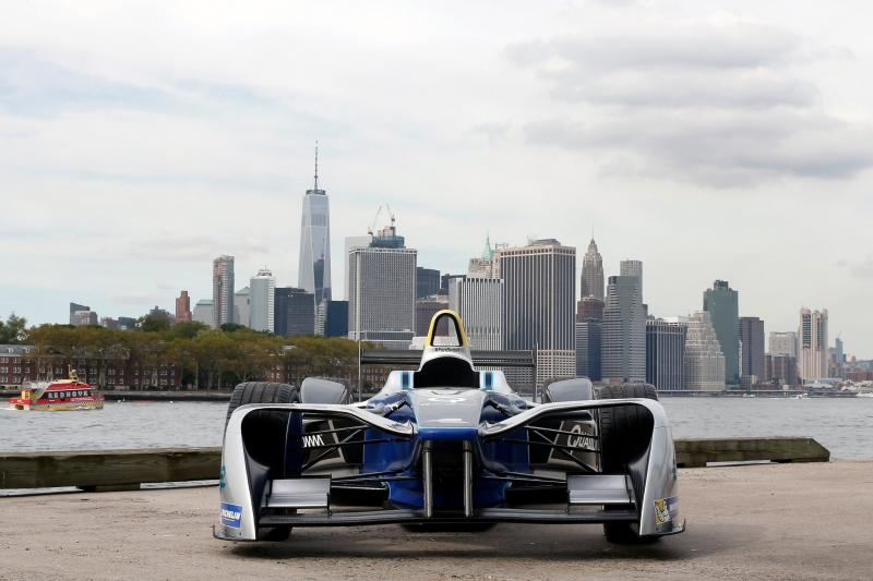 Formula-E-Car-Manhattan