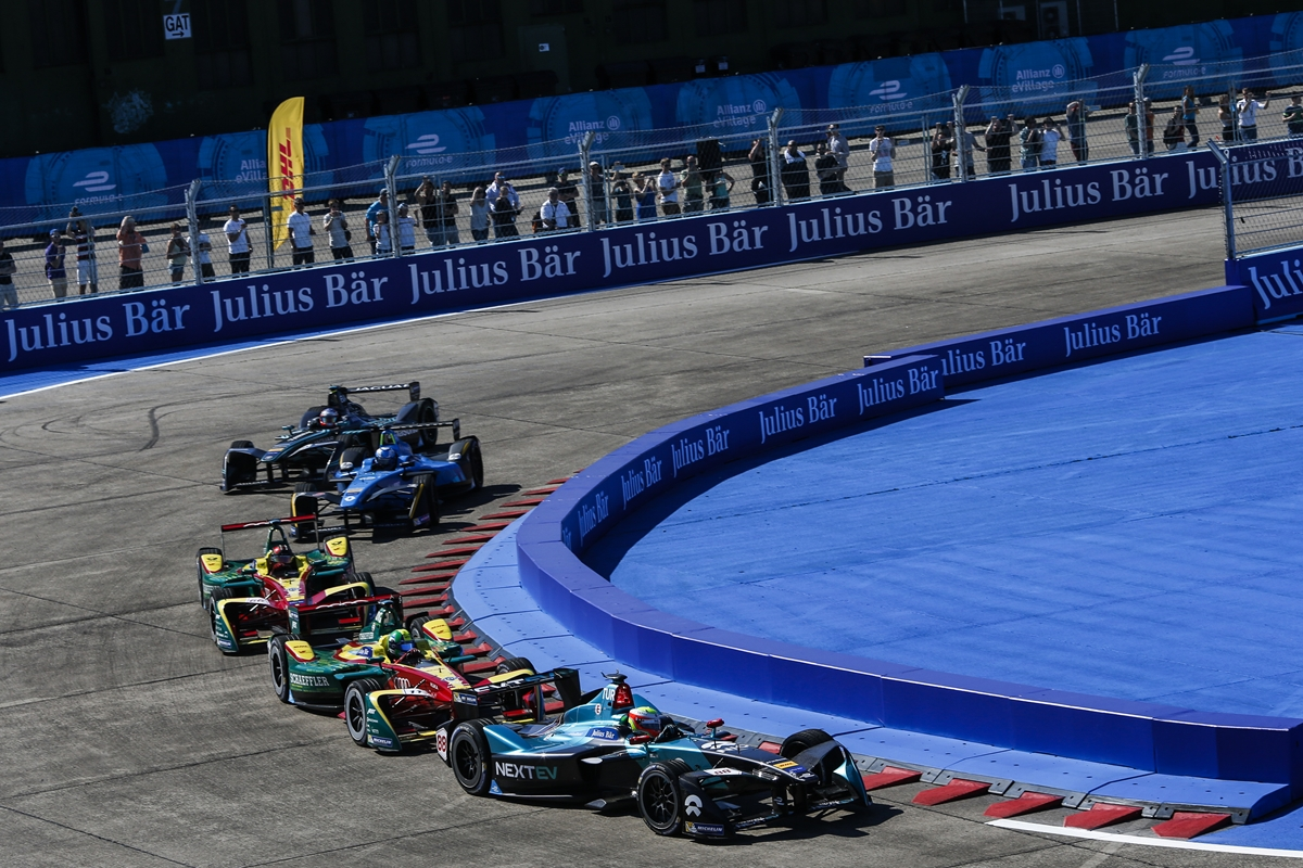 Racing-Action-Berlin-ePrix-2017