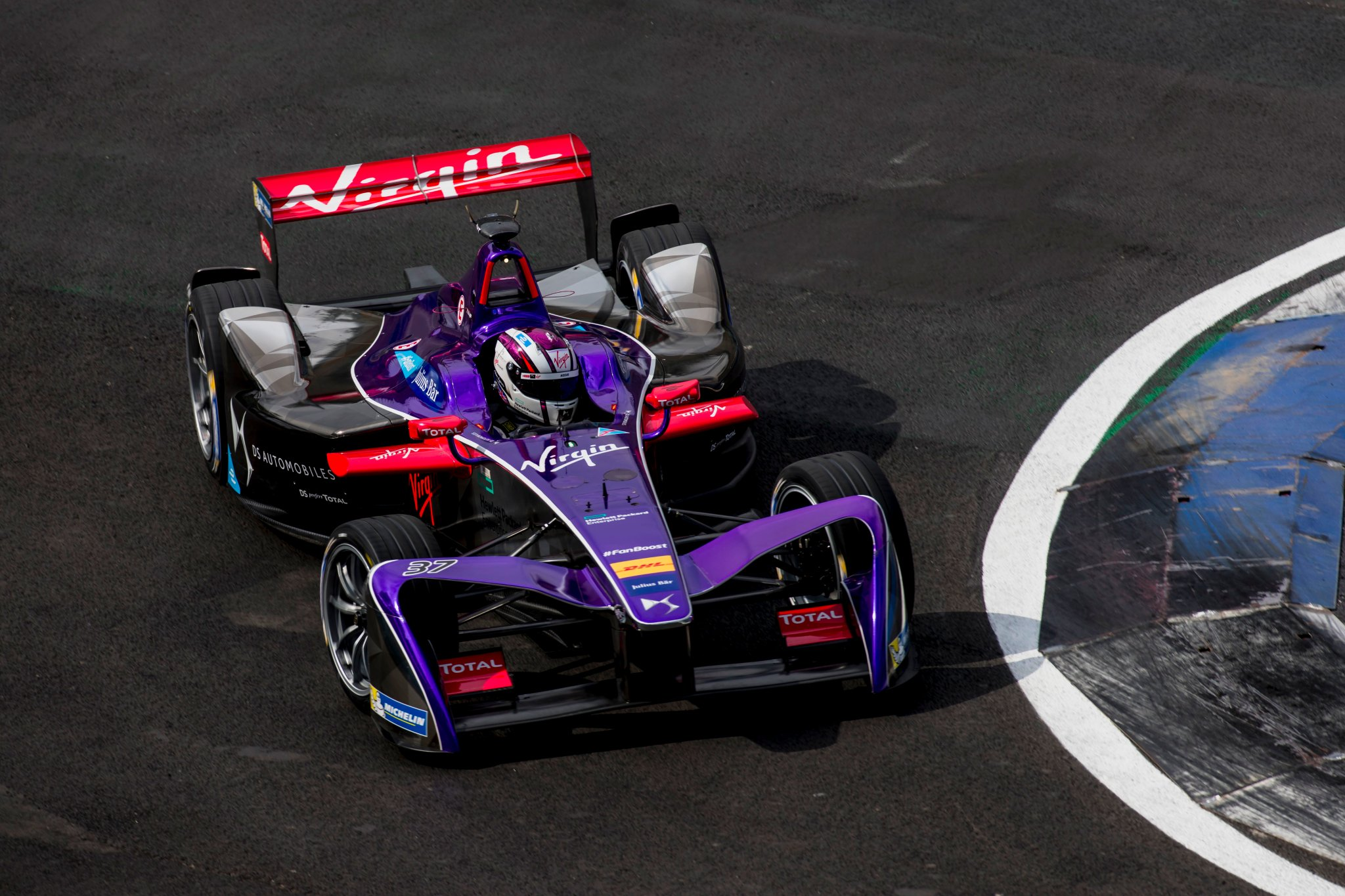 Alex-Lynn-Virgin-Formula-E