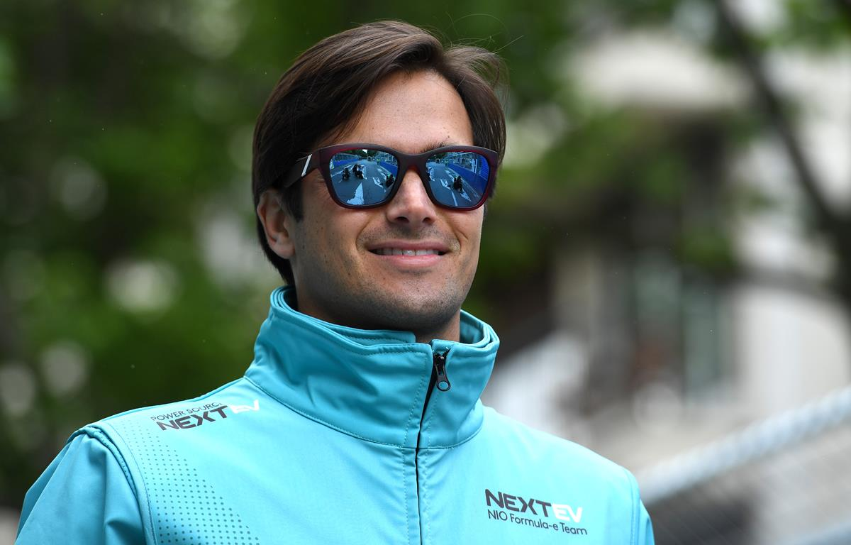 Nelson-Piquet-jr-Sunglasses-Smiling