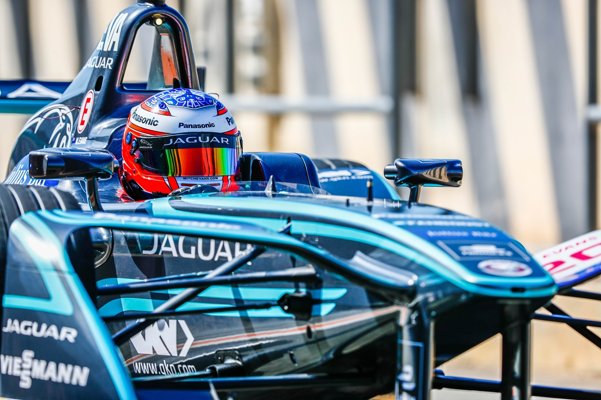 Mitch-Evans-Jaguar-Bright-Valencia.jpg