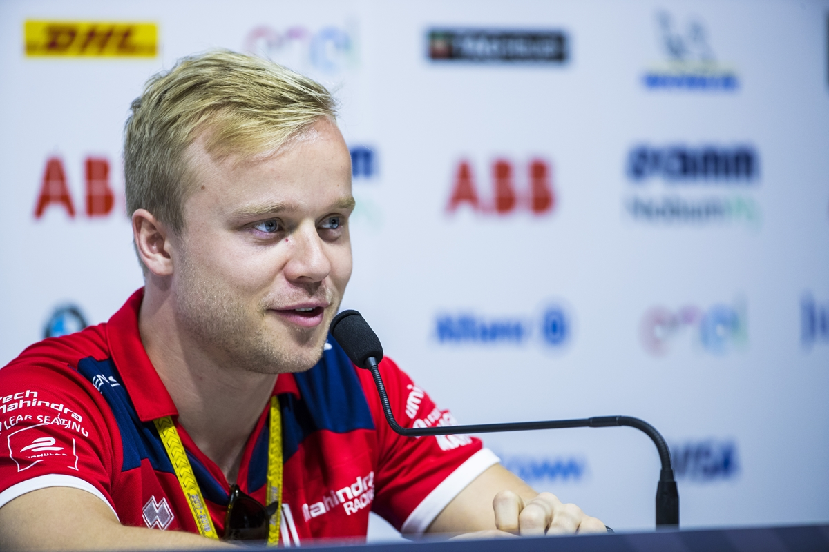 Felix-Rosenqvist-Face-Close-Up