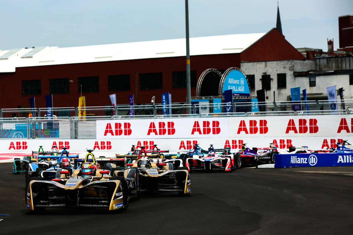 Formula-E-Cars-on-New-York-Track