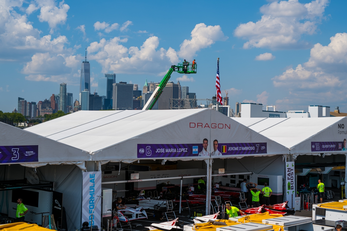 Pitlane-Skyline-New-York