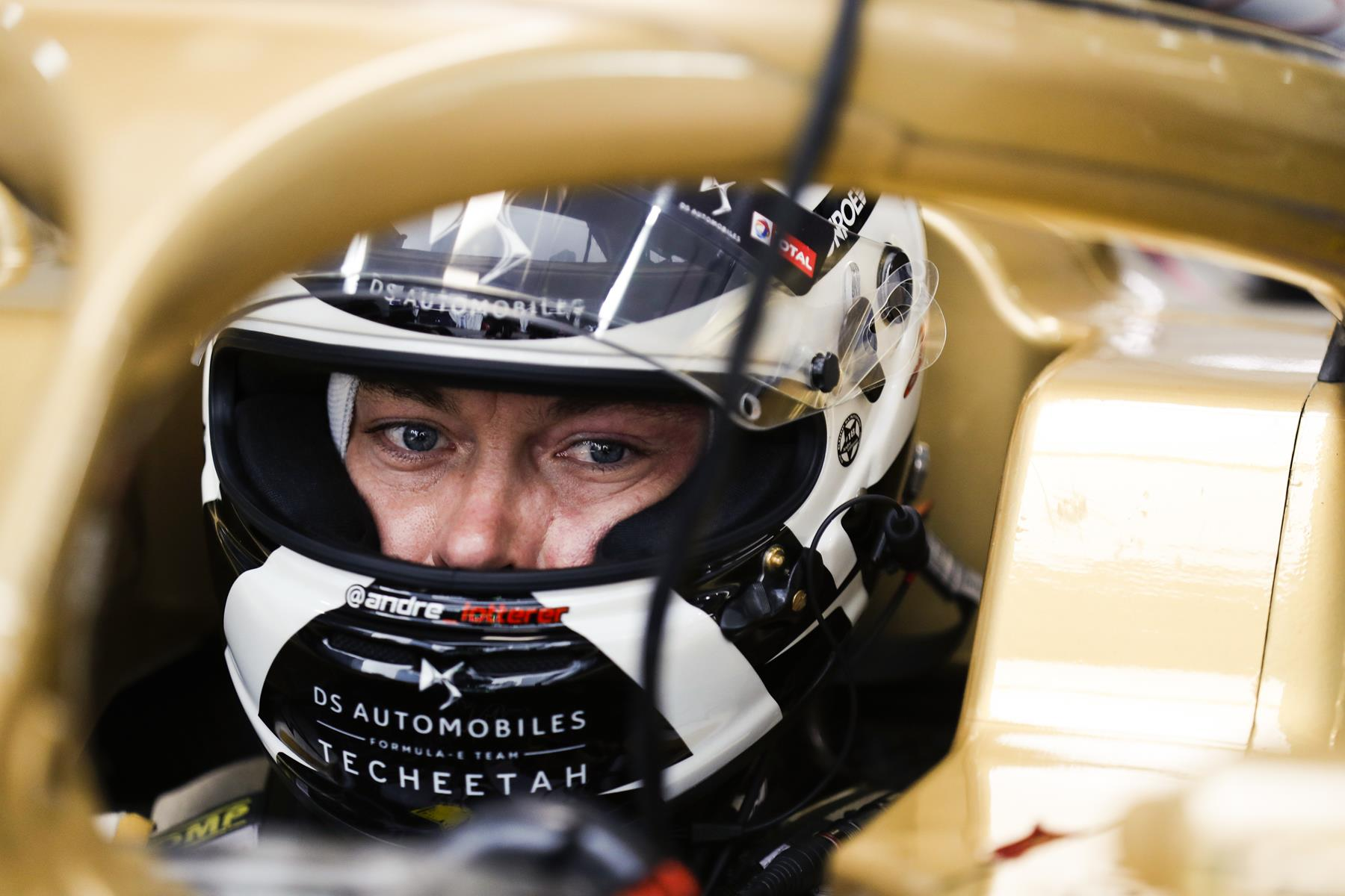 Andre-Lotterer-in-Garage