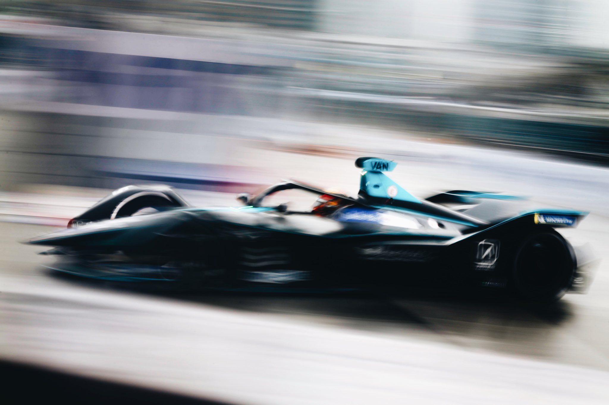 Stoffel-Vandoorne-first-Pole-Position-Formula-E-Hong-Kong