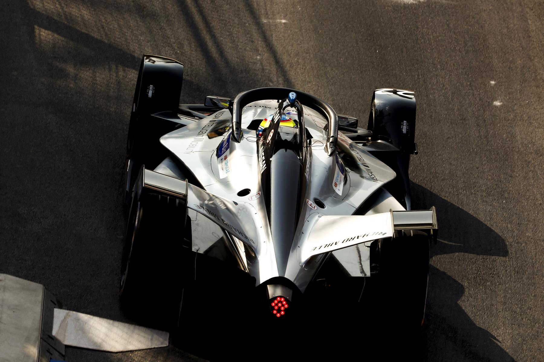 Nissan-Formula-E-Car-from-behind