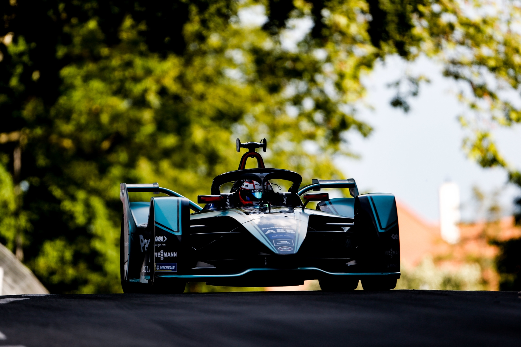 Bern_E-Prix_Mitch_Evans_Panasonic_Jaguar_Racing_dark