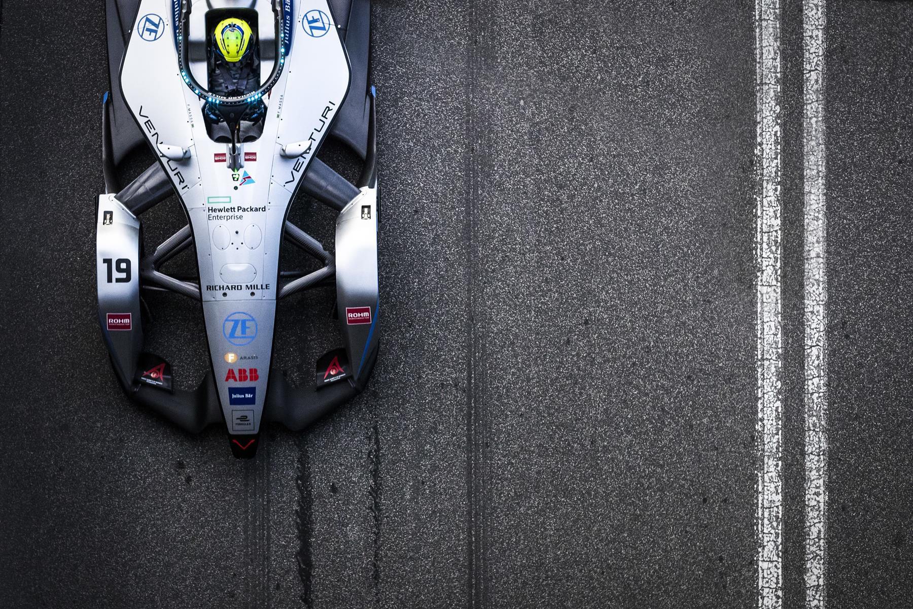 Felipe-Massa-Venturi-Car-from-above-Rome
