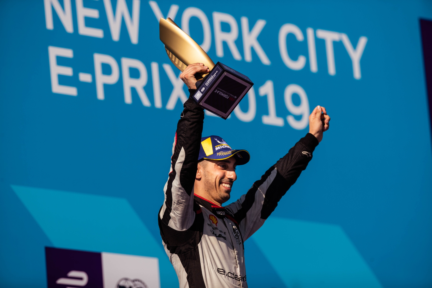Sebastien_Buemi_Nissan_e.dams_New_York_City_podium_trophy