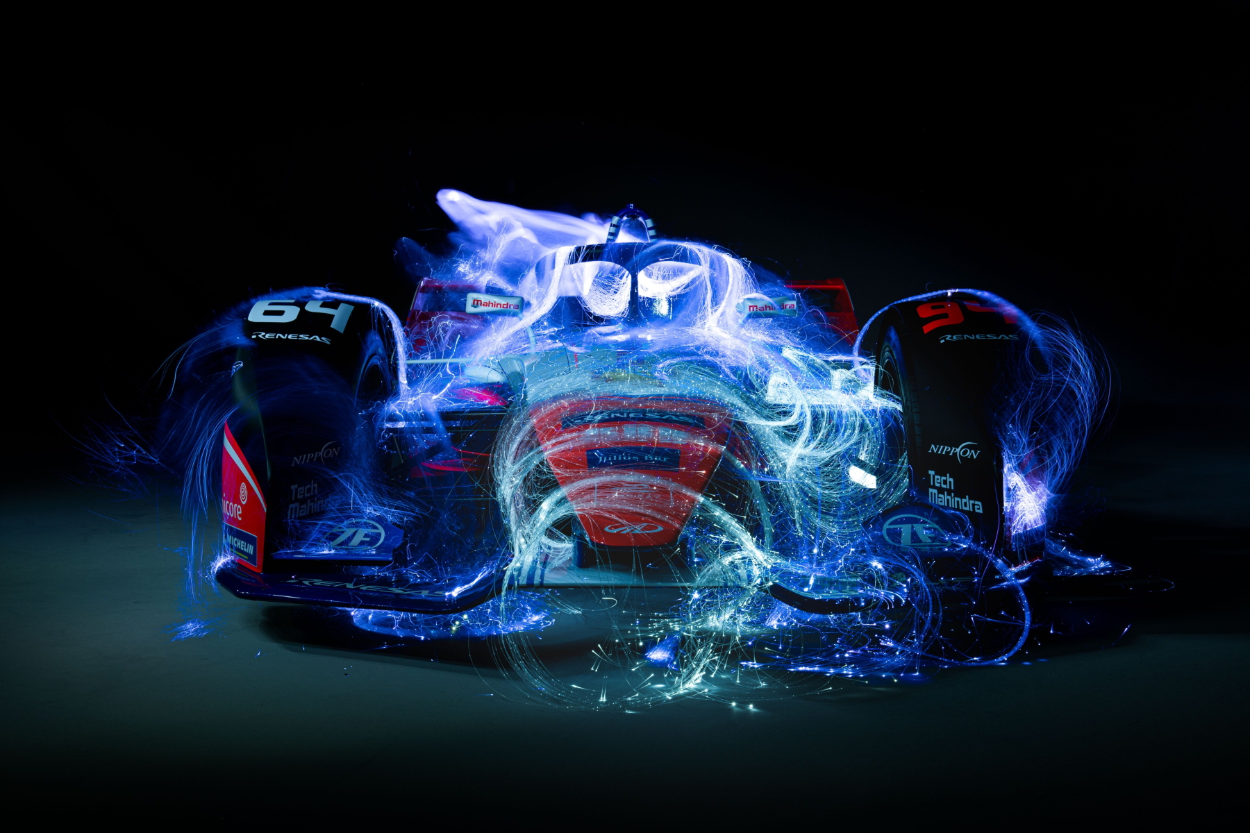 Mahindra Season 6 car photo art front view 2 1800px.jpg
