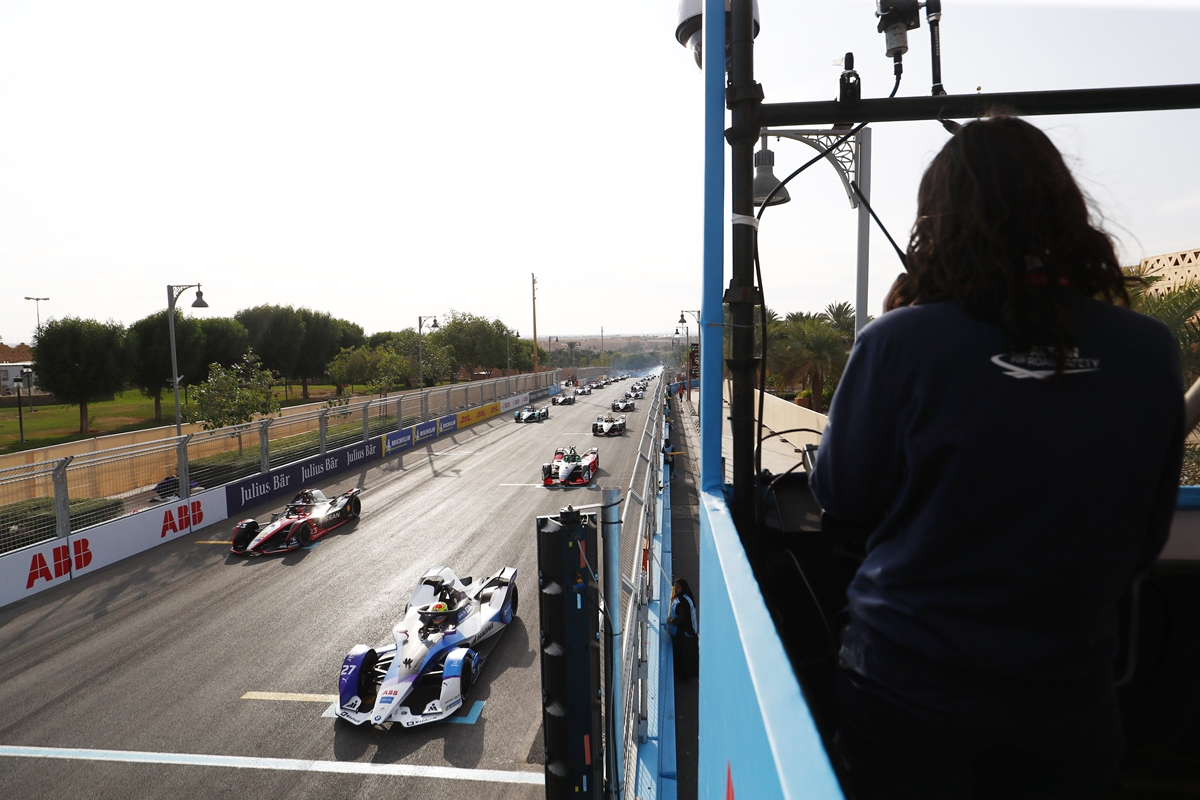 Diriyah-Race-Start-Saturday-Grid