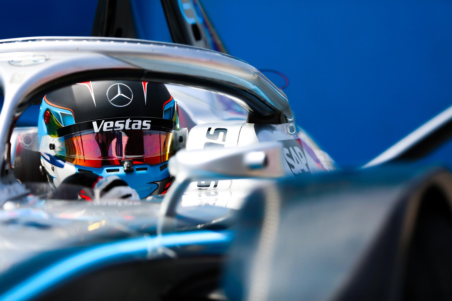 Nyck-de-Vries-Formula-E-Mercedes-Close-up-Cockpit