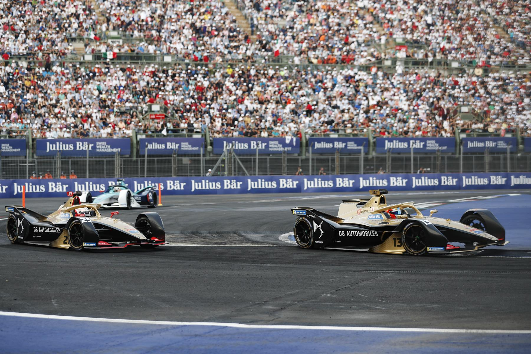 Felix-da-Costa-leads-Vergne-DS-Techeetah-in-Mexico-Stadium