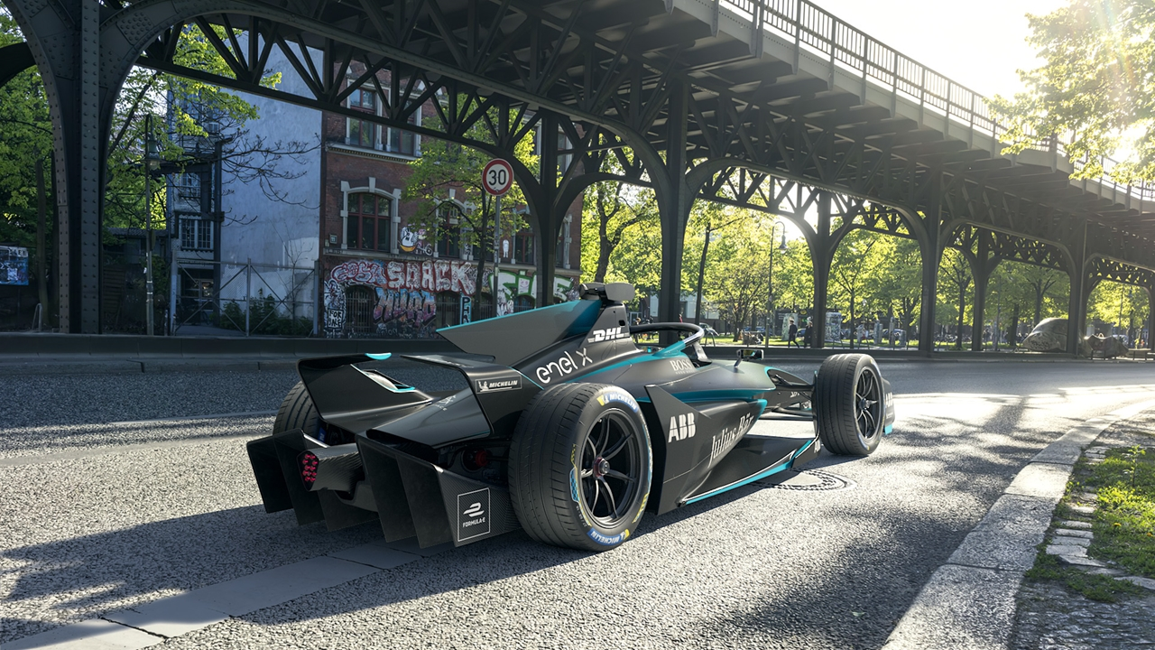 4-Gen2 EVO hits the streets of Berlin.jpg