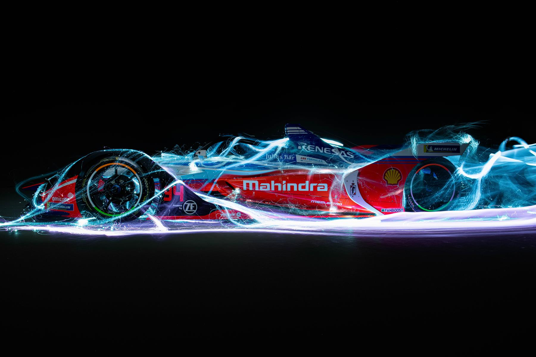 Mahindra-Formula-E-Car-Spacesuit-Media-Lou-Johnson