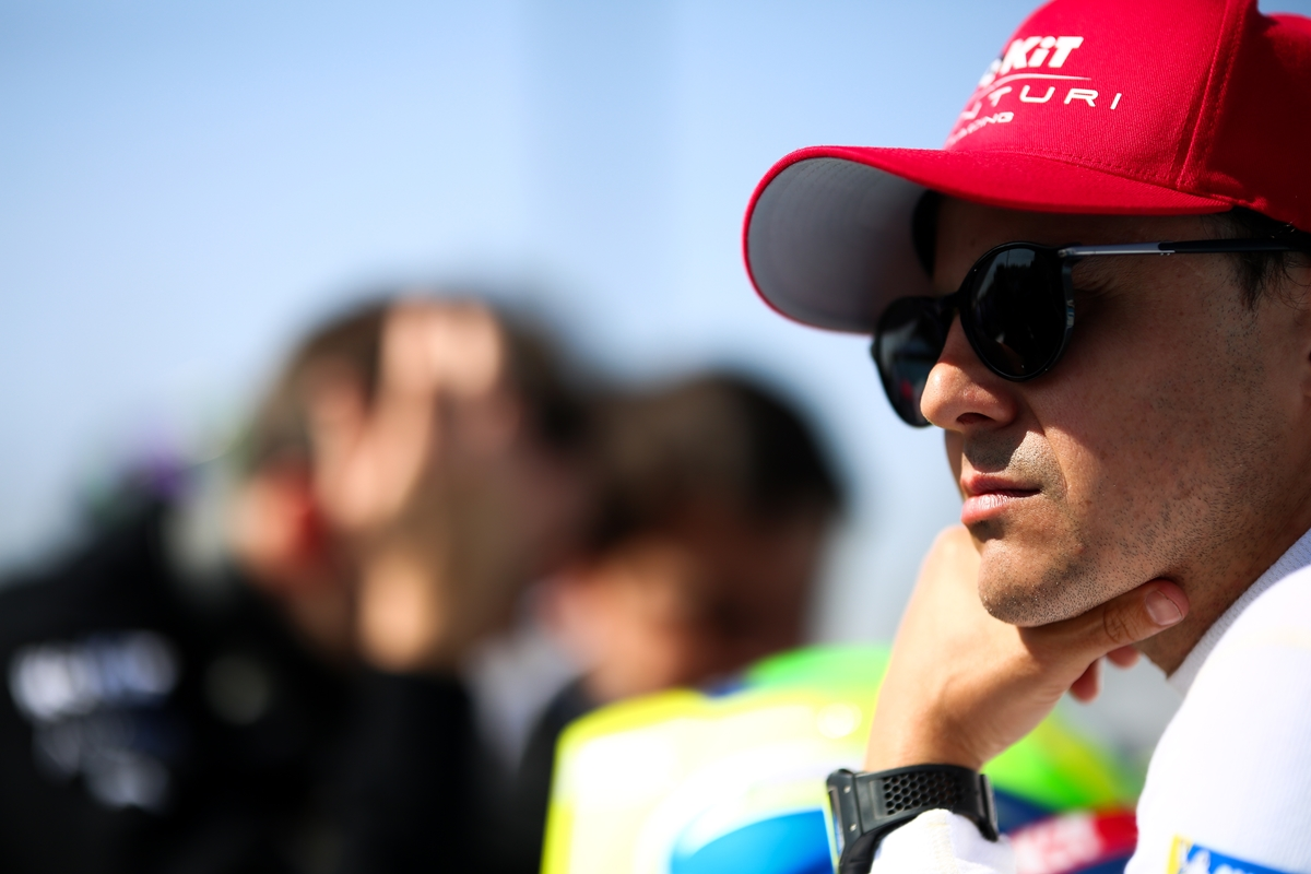 Felipe-Massa-Venturi-Marrakesh-Cap-Sunglasses