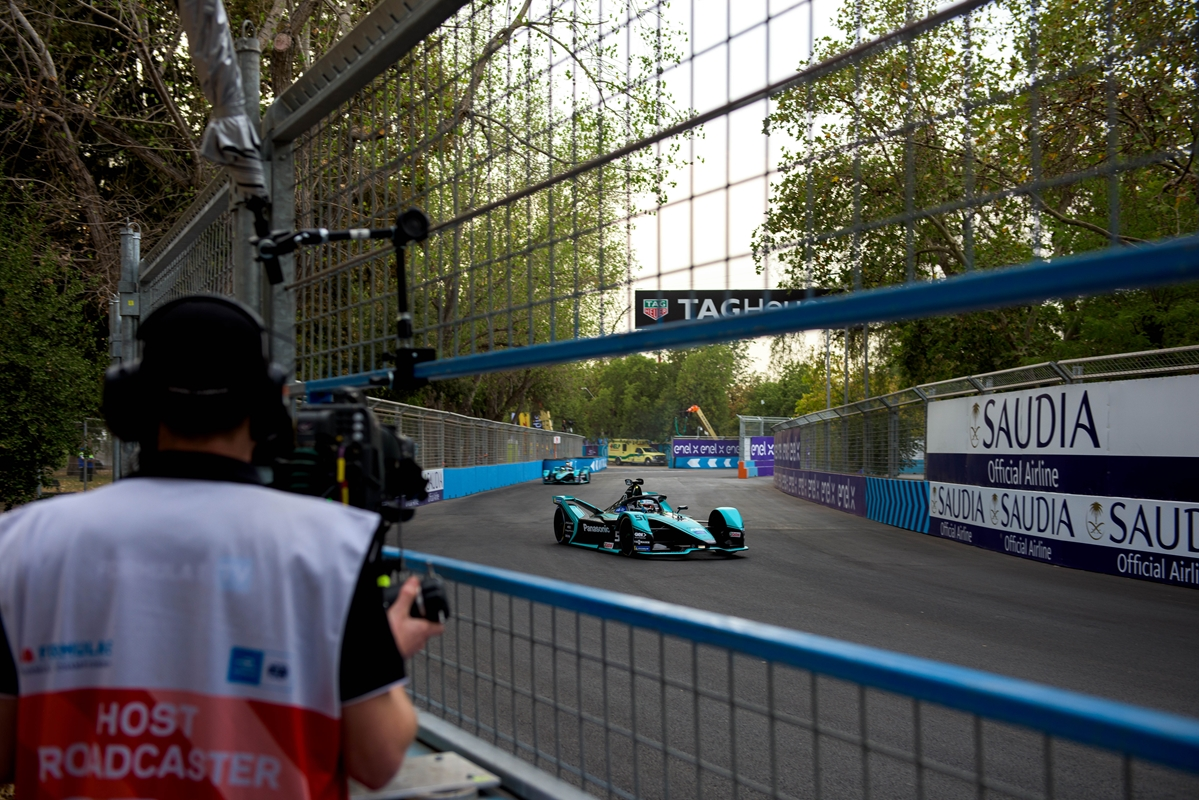 James-Calado-Santiago-E-Prix-jaguar