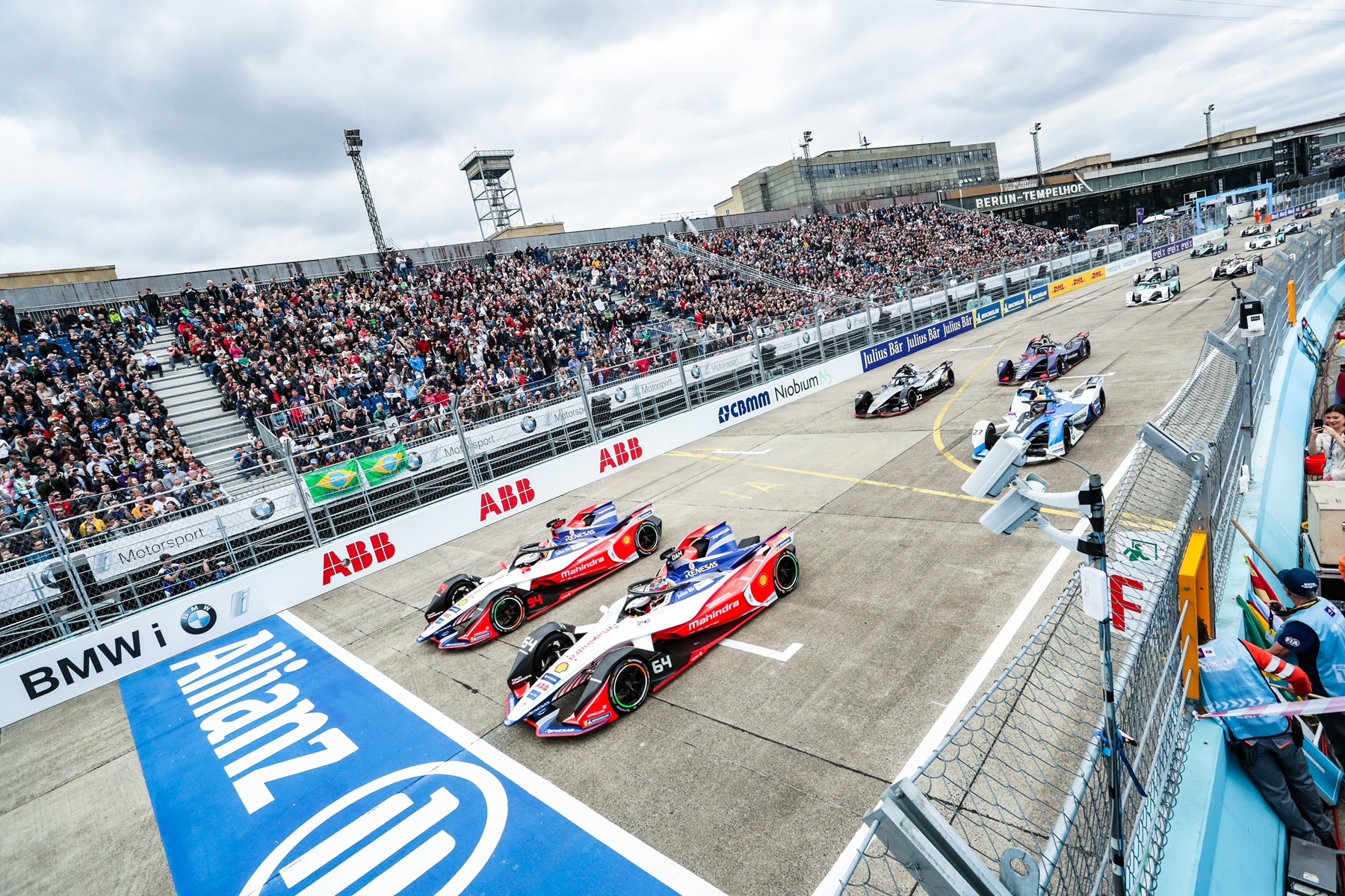Mahindra-Racing-Race-Start-Allianz-Berlin-Tempelhof