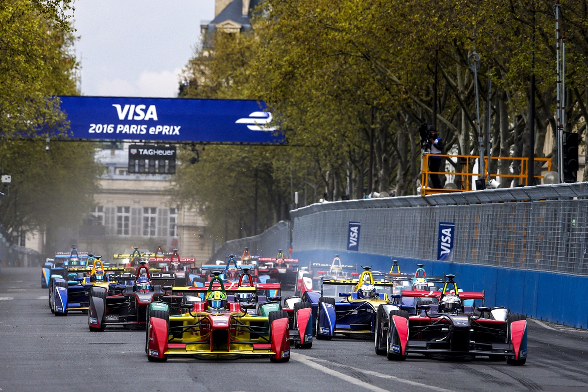 Race-Start-Paris-di-Grassi-Bird