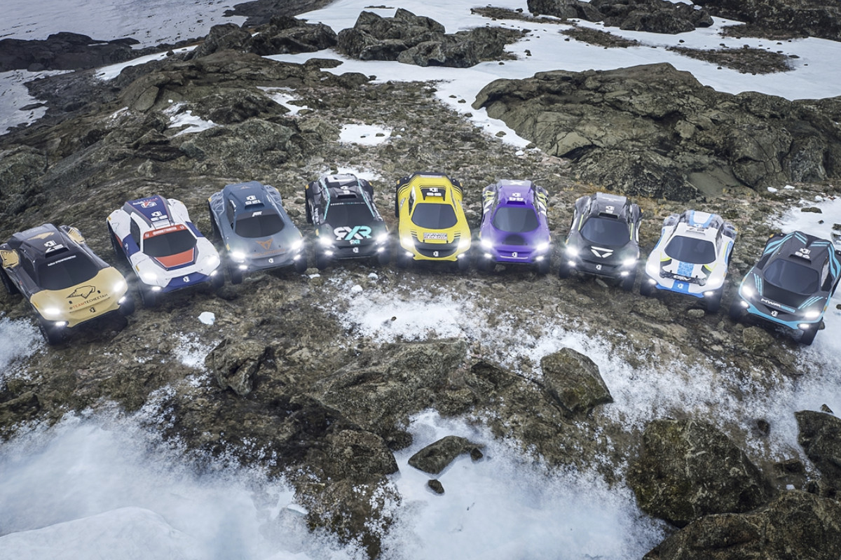 Extreme-E-Snow-Stones-Cars-Line-up