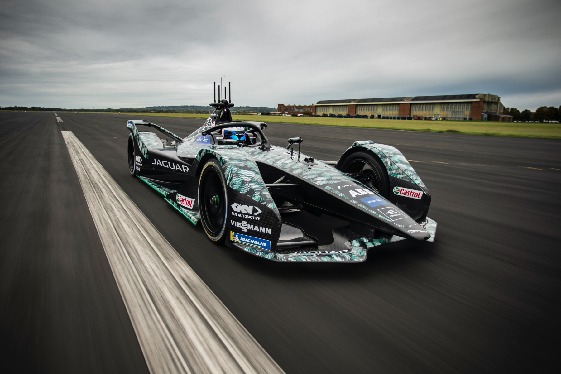 Sam-Bird-Jaguar-Racing-Testfahrt.jpg